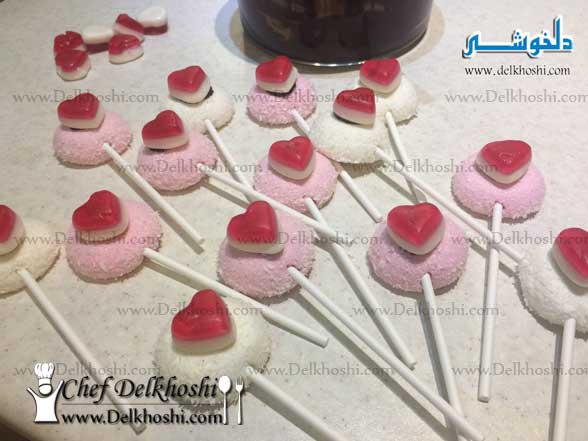 Valentine-Lolipops-with-red-candy-yummy-hearts-13