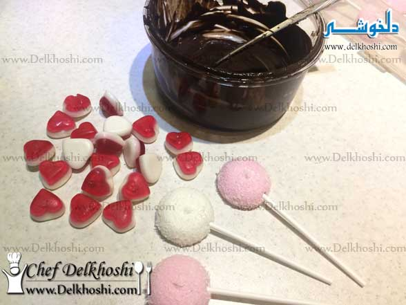Valentine-Lolipops-with-red-candy-yummy-hearts-9